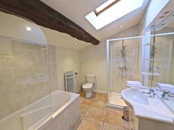 Salle de bains de la chambre 2 - Olivier