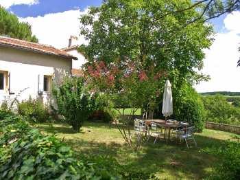 Vue extérieure du gîte  Acacia en Dordogne Périgord