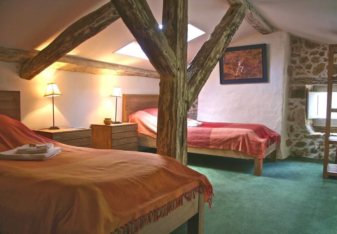 Gîte Acacia - Chambre 2 (1er étage) en Dordogne Périgord